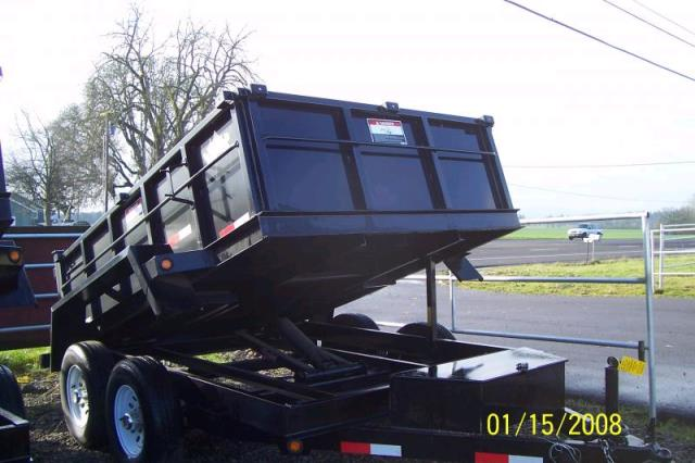 Where to find 3 YARD DUMP TRAILER in Fallbrook
